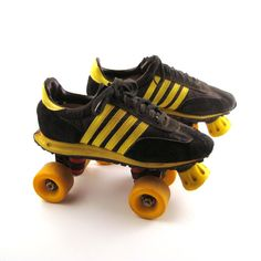 Sneaker Roller Skates Vintage 1970s Black and Yellow by purevintageclothing