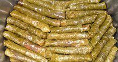 Etli yada zeytinyağlı yaprak sarma ,davet sofralarının özelliklede Türk yemeklerinin başında geliyor. Yapımı ne kadar çok zaman alsada yenme...