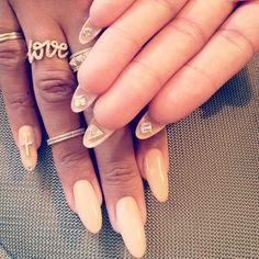stiletto nails by ciara