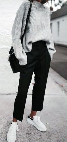 wedding inspo The clothing culture is fairly old. Spring Outfit Women, Winter Outfits, Casual Outfits, Tomboy Outfits, Emo Outfits, Black Pants Outfit, Black Trousers, New York Fashion, Tokyo Fashion