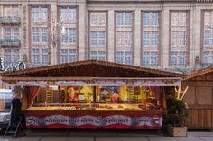 Apfelstrudel, gluhwein en 'winterse' kerstsferen op het #Damrak #Amsterdam voor de #Bijenkorf!