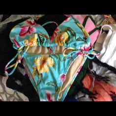 VS bikini Victoria's Secret bikini XS. Victoria's Secret Swim Bikinis