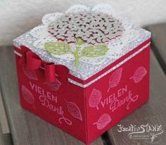Kreativ-Stanz Wald der Worte Stempelset und Thinlits Stampin' Up! Explosionbox Hortensie #explosionbox #flower