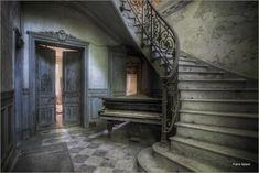 Chateau de l'écolière - abandoned girl's school castle in France. (photography by Frans Nijland)