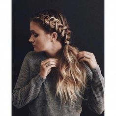 Kristin Ess Working Texture Loose Styling Powder – Related posts: Modern 2018 hair styling ideas for girls Hair styling long hair, long and short hair – discover … Cute Braided Hairstyles, Box Braids Hairstyles, Braided Ponytail, Low Updo, Ladies Hairstyles, Teenage Hairstyles, Hairstyles 2016, Medium Hairstyles, African Hairstyles