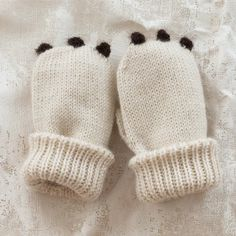 oeuf bear baby mittens