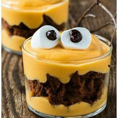 Avec qui avez-vous envie de déguster ce monster cake pudding ? Taggez un ou une amie !  #tea #thé #pudding #dessert