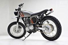 MOTOGUXXI: Yamaha SR400 Scrambler byJPD Custom