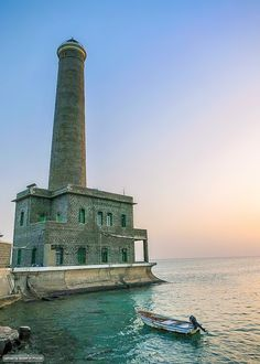 Sanganeb #Lighthouse - Sanganeb National Park, Port #Sudan فنار سنقنيب، محمية سنقنيب البحرية، بورتسودان #السودان    -   http://dennisharper.lnf.com/