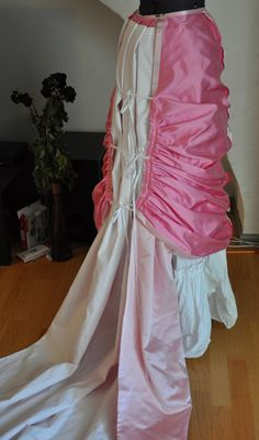 historical sewing tutorial Before the Automobile: Natural form ball gown, the Toulmouche project