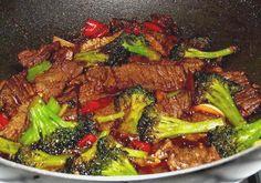 Surinaams eten!: Gewokte biefstukreepjes met broccoli met een Surinaams tintje