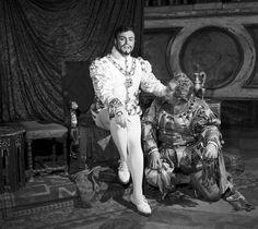 """Luciano Pavarotti in """"Rigoletto"""""""