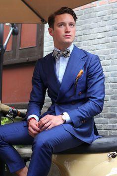 Bule Double Breasted Suits Custome Made Terno Slim Fit Masculino Wedding Formal Blazer Handsome (Jacket+Pant+Tie+Handkerchiefs) Gentleman Mode, Gentleman Style, Gentleman Fashion, Costumes Bleus, Terno Slim Fit, Prom Blazers, Look Fashion, Mens Fashion, Fashion Styles