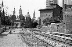 Salida estación del Norte dirección La Almozara Madrid, Street View, Retro, Zaragoza, Old Photos, Antique Photos, Cities, Scenery, Norte