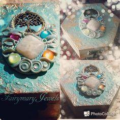 ๑ஐ๑Enchanted Fairy jewelry box๑ஐ๑  Portagioielli turchese e oro in legno dipinto, impreziosito da uno splendido cammeo interamente lavorato a mano in pasta polimerica con pietra di luna centrale e albero della vita.