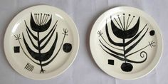 Date Range Art Pottery Painted Plates, Pottery Art, Cool Art, Retro Vintage, Decorative Plates, Art Gallery, Clay, Ceramics, Abstract