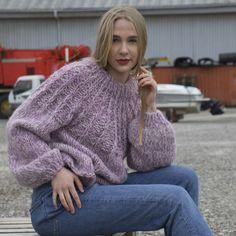 Du kan kjøpe din Lavendel genser oppskrift på Weknit-store.com her. Se bl.a. noen av våre andre design på weknit-store.com