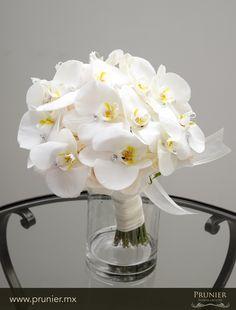 Orquid wedding bouquet www.prunier.mx