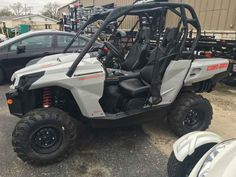 New 2017 Can-Am Commander DPS 1000 ATVs For Sale in Illinois. 2017 Can-Am Commander DPS 1000, Commander DPS FLEXIBILITY TO CUSTOMIZE & WITH THE COMFORT OF DPS Get the flexibility to customize your machine the way you want it, with the control of the Tri-Mode Dynamic Power Steering (DPS). Features ROTAX V-TWIN ENGINE: Available with the 71-hp Rotax 800R or 85-hp Rotax 1000 liquid-cooled V-Twin engines with four valves per cylinder and single overhead camshafts featuring twin fuel injectors…