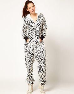 Enlarge OnePiece Snow Leopard Onesie...for bed