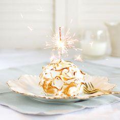 Individual Lemon Baked Alaskas with Lemon Curd Ice Cream, Genoise Sponge & Italian Meringue. Lemon Yogurt, Honey Lemon, Lemond Curd, Frozen Two, Genoise Sponge, Baked Alaska, Thing 1, Melted Butter, Tray Bakes