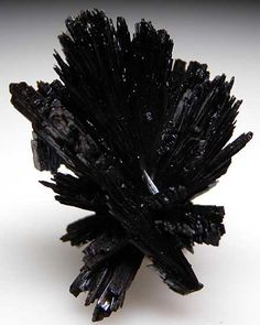 Goethite holds the template of the Earth's evolutionary story, from inception through to seeding from various star systems through to our current and potential future reality. It is one of the primary crystals used for holographic re-patterning - transforming old unconscious beliefs into new vibrations consistent with your conscious awakened desires / gifts / higher purpose.