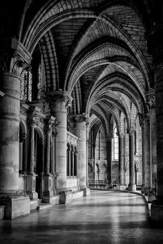 Deambulatory of the St Remi Basilic in Reims, France; photo Vincent Spanneut • essential role in France as  Westminster Abbey in UK • http://en.wikipedia.org/wiki/Reims#Saint_Remi_Basilica