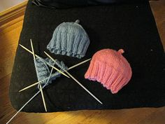 Chris Knits in Niagara: Preemie Caps