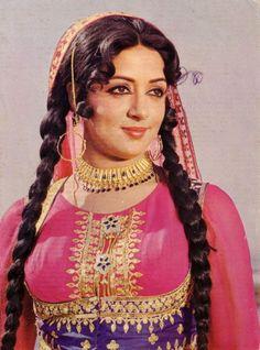 ndian actress, director and producer and Bharatanatyam dancer / choreographer, Hema Malini #bollywood #bollywoodactress #bollywoodflashback