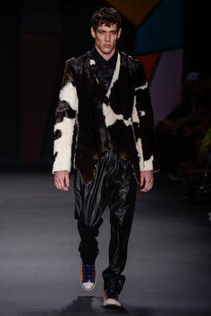 BRASIL F/W 14 | SÃO PAULO FASHION WEEK | AMAPÔ. Cow leather jacket! I want it!. | FFW.com.br