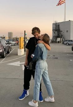 Cute Couples Photos, Cute Couple Pictures, Cute Couples Goals, Couple Photos, Teen Couples, Wanting A Boyfriend, Boyfriend Goals, Future Boyfriend, Boyfriend Pictures