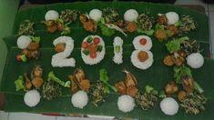 Menu makan bersama dengan nasi liwet yang nikmat dengan bumbu bumbu sepsial dan teri, di padu dengan lauk gudangan dari sayur sayuran segar dengan bumbu kelapa muda parut yang kaya rempah.  Di lengkapi dengan ayam goreng, gereh, tahu, tempe yang semakin menggugah selera  https://www.instagram.com/p/BdcqO25g5Gq/?r=wa1  #liwetan #tumpeng