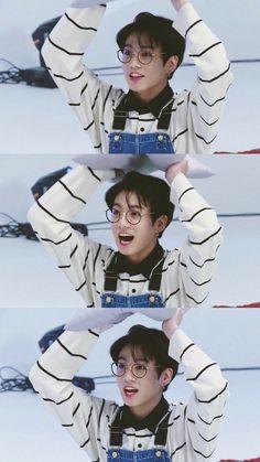 He is so cute omfg Run Bts on We Heart It Jungkook Bts Taehyung, Jungkook Fanart, Jungkook Oppa, Bts Bangtan Boy, Jungkook Glasses, Jung Kook, Foto Bts, Bts Photo, K Pop