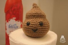 What's that? You've always wanted to crochet your very own smiling piece of crap? WELL NOW YOU CAN. I found myself needing an amigurumi po...