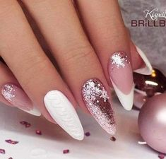 61 Christmas Nail Art Designs & Ideas for 2019 # Christmas nails – # Christmas nails The Effective Pictures We Offer You … Xmas Nails, Holiday Nails, Pink Nails, Holiday Makeup, Gorgeous Nails, Pretty Nails, Christmas Nail Art Designs, Christmas Decorations, Super Nails