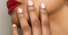 Auch auf unseren Nägeln zeigt sich der Frühling: Welche Trendfarben bei Nagellack jetzt wichtig werden? Die Maniküre-Trends auf Elle.de.