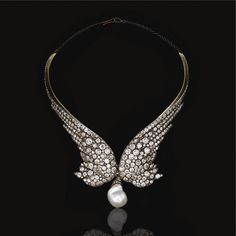 Countess Orloff Davidoff Diamond necklace, Designed as a pair of wings, set with circular- and rose-cut diamonds, suspending at the front a later baroque cultured pearl drop, fitted case by Gianmaria Buccellati. High Jewelry, Pearl Jewelry, Antique Jewelry, Jewelry Box, Vintage Jewelry, Jewelry Accessories, Jewelry Necklaces, Jewelry Design, Diamond Necklaces