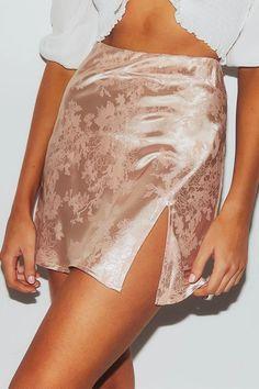 Floral Slit Satin Mini Skirts - Floral Slit Satin Mini Skirts – Chicmony Source by chicmony - Aesthetic Fashion, Aesthetic Clothes, Cute Skirts, Mini Skirts, Summer Skirts, Pretty Outfits, Cute Outfits, Floral Mini Skirt, Satin Skirt