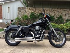 '99 Harley Davidson Dyna Super Glide Sport. . .I want this