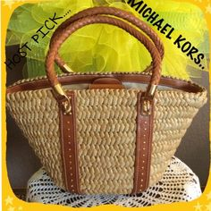 """❌FINAL MARK DOWN ❌MICHAEL KORS   BAG HOST PICK"""" BROWN LEATHER , WEAVED BASKET HANDBAG, WITH GOLD HARDWARE..ZIPPERED POCKET ON ONE SIDE AN 2 SLIDE POUCHES ON THE OTHER..ON THE ZIPPERED POCKET THERE IS SOME MARKS, SHOWN IN THE LAST PICTURE..SMALLER AT  HE BOTTOM AN WIDER AT THE TOP, 12' AT THE BOTTOM OF BAG , TOP 18 1/2 X 10 1/2 , DROP LENGTH 8 1/2.. PERFECT FOR SUMMER... MICHAEL KORS TOTAL TRENDSETTER """"HP"""" 4-16-2016.  TOTAL TRENDSETTER """"HP"""" 5-13-2016 Michael Kors Bags"""