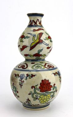 """Chinese Ming DouCai Gourd Vase 7 3/8 x 4"""""""