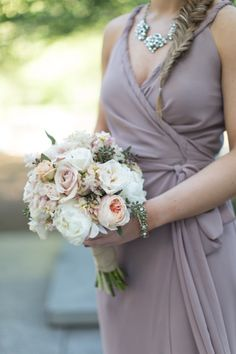 Bridesmaids Photos and Ideas - Style Me Pretty Weddings - Picture - 2278689 Chic Bridesmaid Dresses, Brides And Bridesmaids, Bridesmaid Bouquet, Wedding Dresses, Wedding Bouquets, Wedding Flowers, Mod Wedding, Dream Wedding, Perfect Wedding