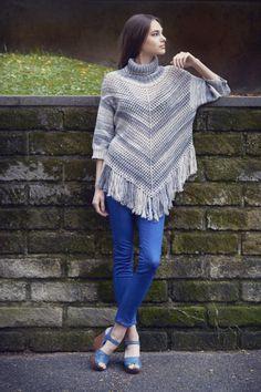 Naisen neulottu ponchopusero Novita Aalto Crochet Top, Diy Crafts, Knitting, Knits, Tops, Women, Fashion, Moda, Tricot