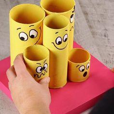 Cómo hacer un organizador de escritorio infantil Creative Activities For Kids, Diy For Kids, Crafts For Kids, Toilet Roll Craft, Toilet Paper Crafts, Bottle Art, Bottle Crafts, Charger Plate Crafts, Rolled Paper Art