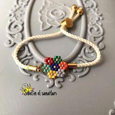 pearl bracelets off white, Freshwater Pearl Bracelet ,wedding bracelet pearl, pearl bridesmaid bracelet,bridal bracelet - 8 inches - kira Diy Crafts Jewelry, Bracelet Crafts, Bead Crafts, Handmade Jewelry, Seed Bead Jewelry, Bead Jewellery, Beaded Jewelry, Beaded Brooch, Beaded Earrings