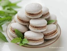 Macarons - Reteta in imagini - DesertdeCasa. Macarons, Food And Drink, Sweets, Cake Ideas, Macaroons, Goodies, Postres, Candy, Treats