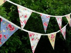 BUNTING Vintage Style - Four Floral Roses on Cream Satin Ribbon - 3m/10ft (double-sided)
