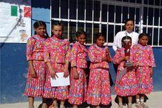 Ganan niñas de Urique concurso de escoltas de escuelas indígenas | El Puntero