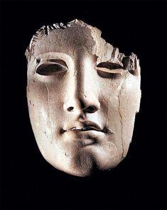 ouijno:  eradr a reblogué eyeballmansion apollo ivory mask found on the parthenon