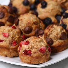 These Banana Bread Mini Muffins Are A Bite-Sized Breakfast Option